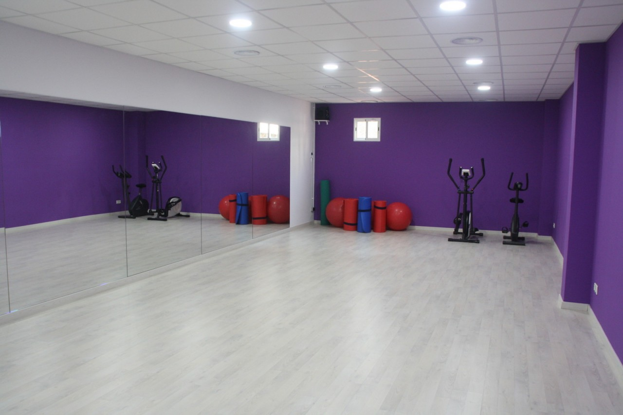 Gimnas Terrassa Classes grup ioga pilates hipopressius